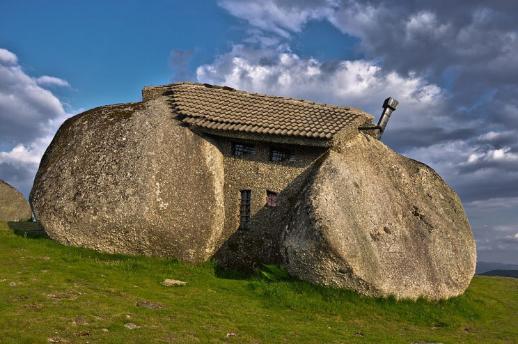 unusual buildings stone house