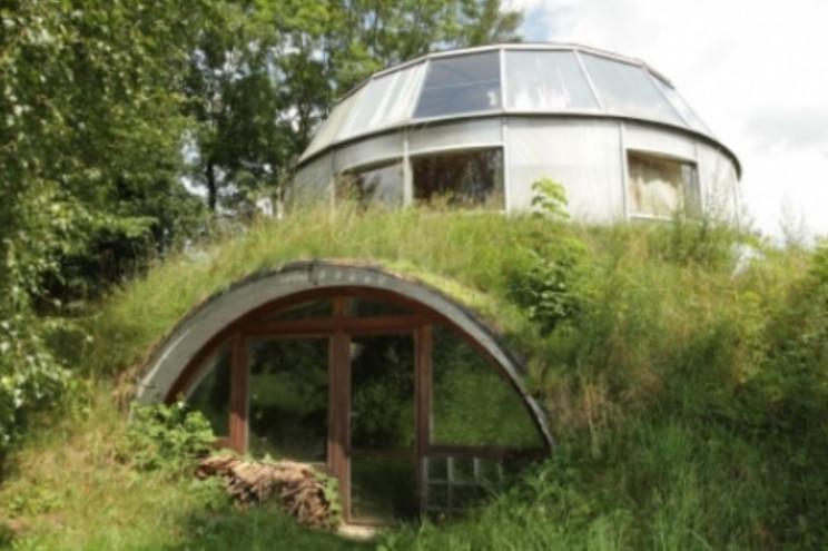 unusual buildings adjustable house
