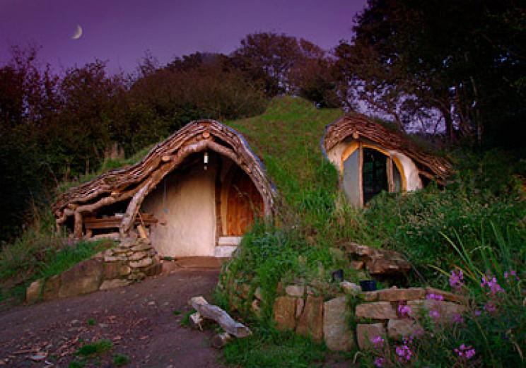 unusual houses hobbit house