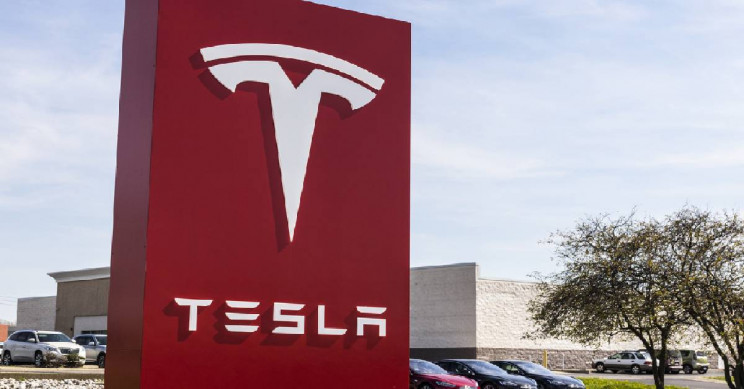 Tesla Becomes the Biggest U.S. Automaker in History
