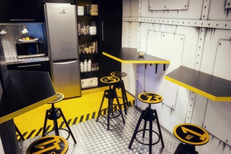 spaceship themed interiors 2o