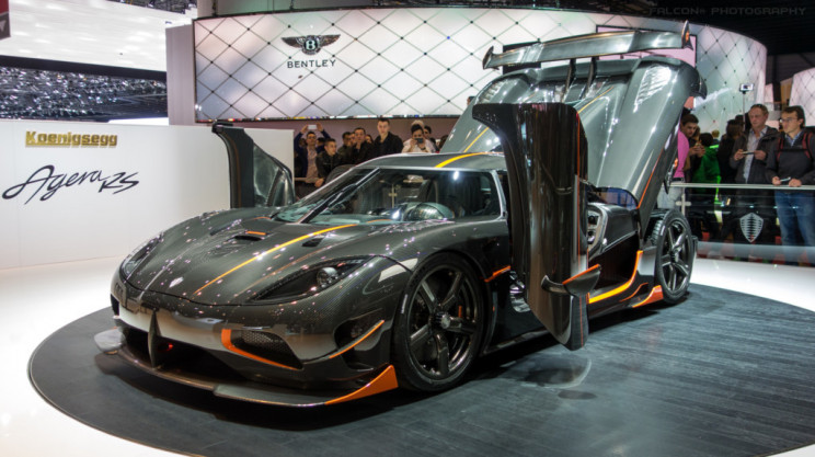 A Closer Look at the Engineering of the World's Fastest Production Car