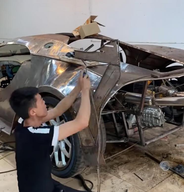 Chinese Mechanic Builds Drivable Bugatti Vision Gran Turismo Replica