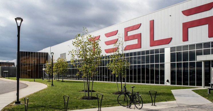 Elon Musk to Reopen Tesla Gigafactory 2 in New York for Ventilator Production