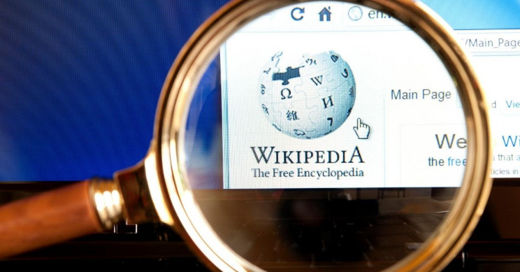 American Teenager Rewrites Scottish Wikipedia in Mangled English