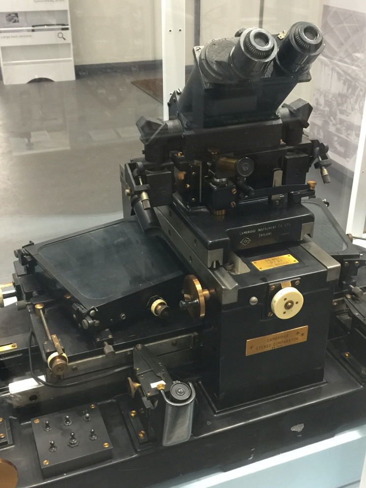 Cambridge stereo comparator at Cambridge Museum of Technology, photo by Susan Fourtané