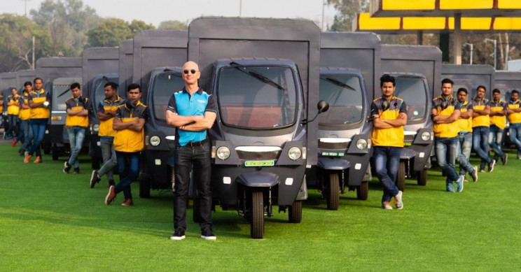 Amazon Promises 10,000 Electric Rickshaws to Its India Delivery Fleet by 2025