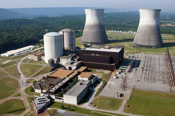 how nuclear power works plant