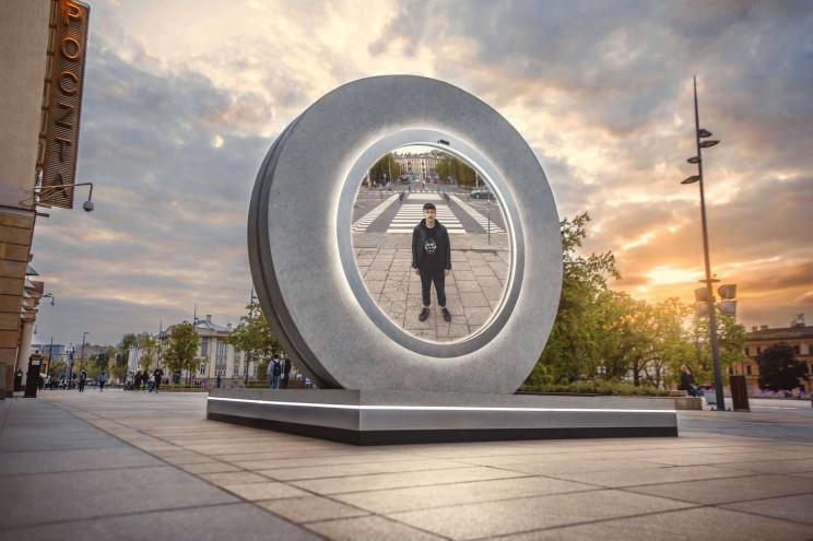 Futuristic Portal 'Brings Unity' to Vilnius and Lublin