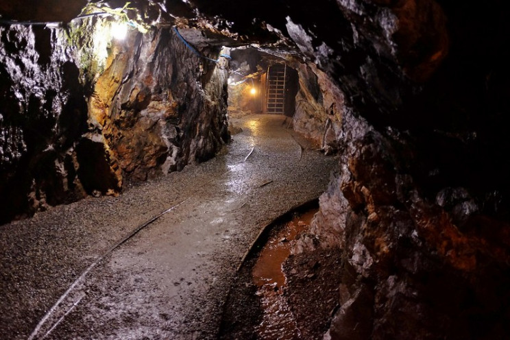 gold mining around the world