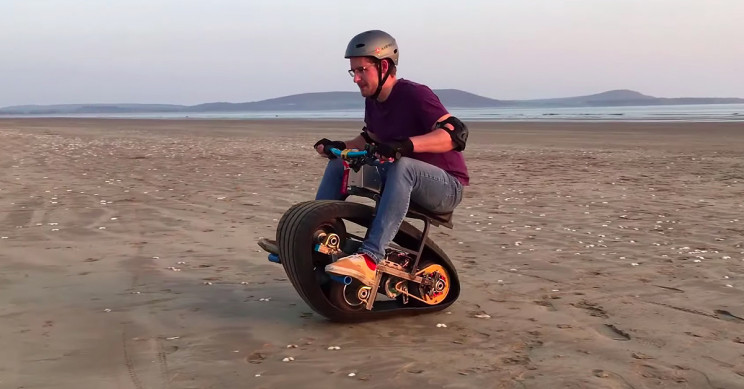 Electric Monotrack Bike Made with No Machine Tools and Basic Parts