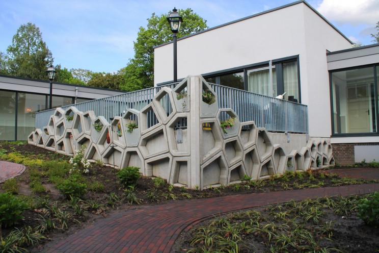 Vertico concrete facade