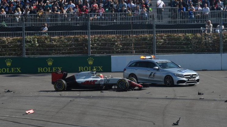 f1 safety medical cars