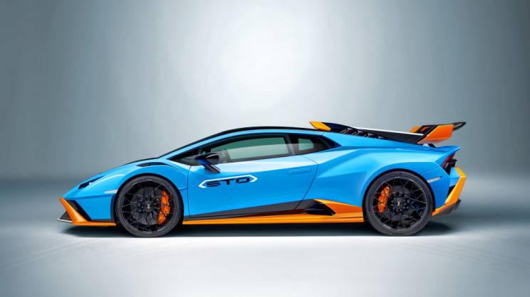 Lamborghini Huracán Left Side
