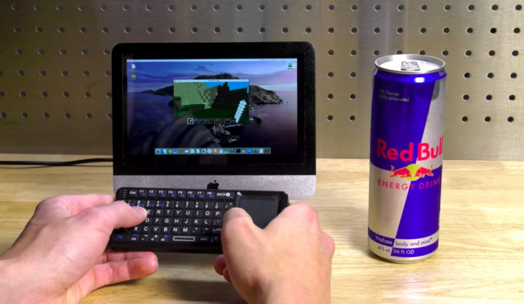Software Engineer Builds Tiny iMac by Partly Destroying Raspberry Pi