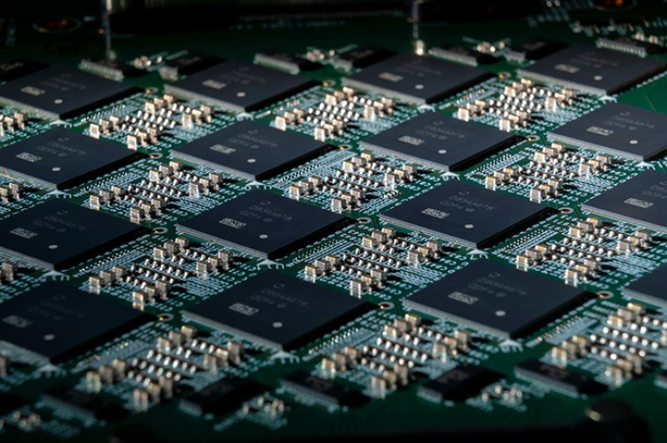 Neuromorphic chip intel