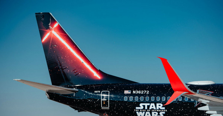 United's Star War's plane exterior.