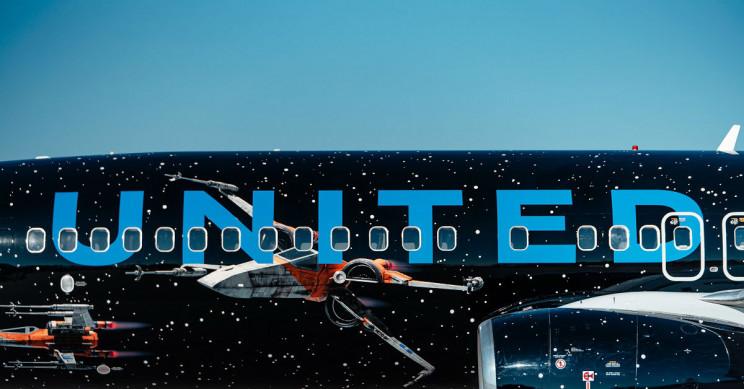 United Star Wars airplane.