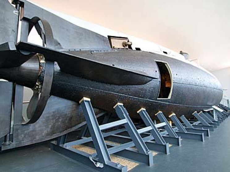 history of submarines holland 1