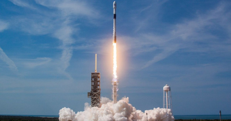 SpaceX Successfully Launches 60 Starlink Satellites, With Expert Landing