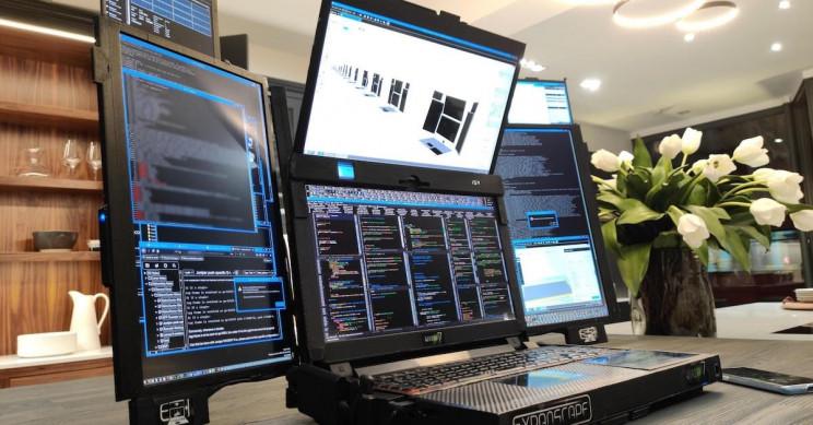 Monstrous 7-Screen Laptop Puts Multiscreen PC Setups to Shame