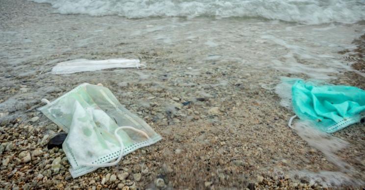 1.56 Billion Plastic Face Masks Ended up in Oceans in 2020
