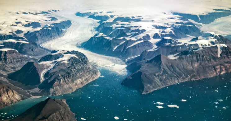 There Might Be a 620-Mile 'Dark River' Below Greenland's Ice Sheet