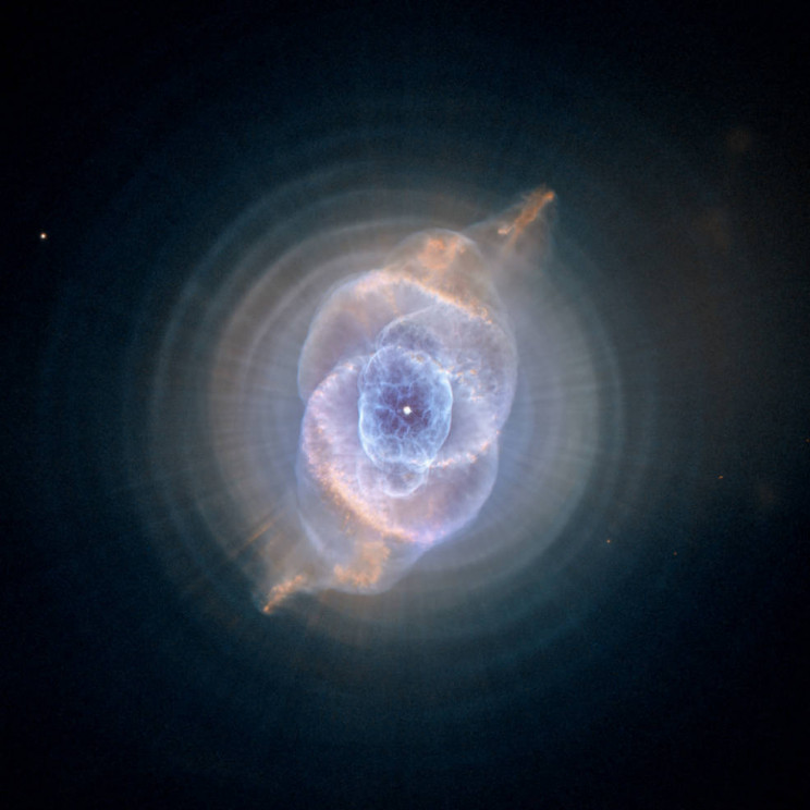 5 Dreamy Images from NASA's Hubble Telescope to Spread Some Christmas Cheer