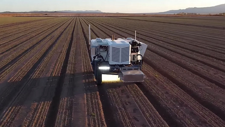 New Farming Robot Uses AI to Kill 100,000 Weeds per Hour