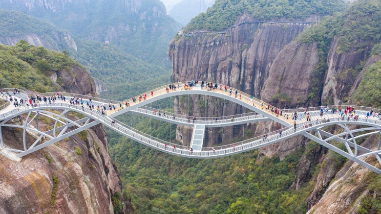 Turns Out The Surreal Bending 'Ruyi Bridge' in China Is Real