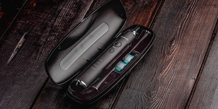 Black Friday Pre-Sale! Take 75% off This AquaSonic Electric Toothbrush Today