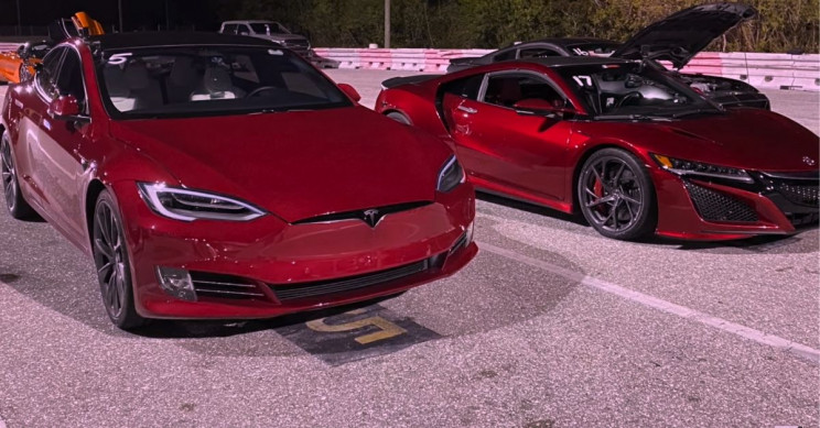 Drag Race: Tesla Model S Raven Takes On Acura NSX