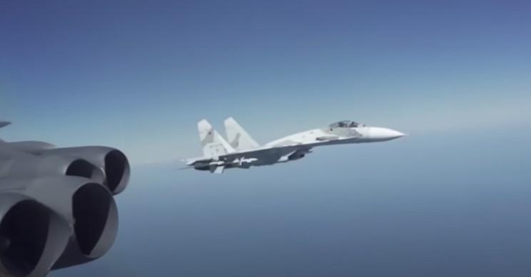 Watch a Russian Su-27 Fighter Intercept a US B-52 Bomber