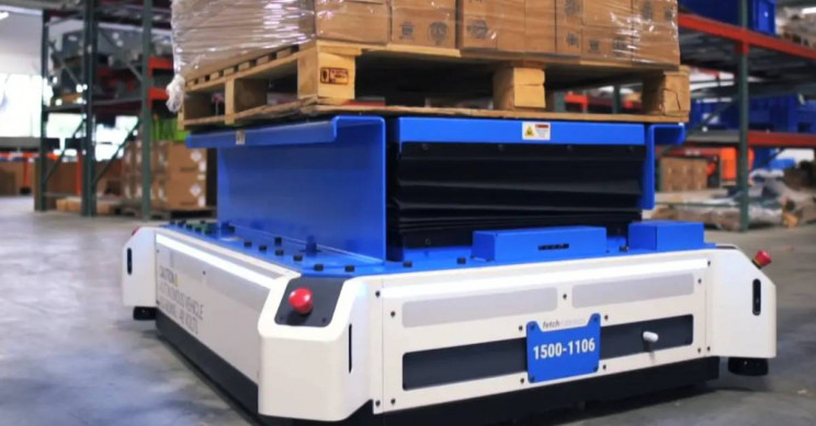 New Autonomous Warehouse Robot Sets Out to Challenge Forklifts
