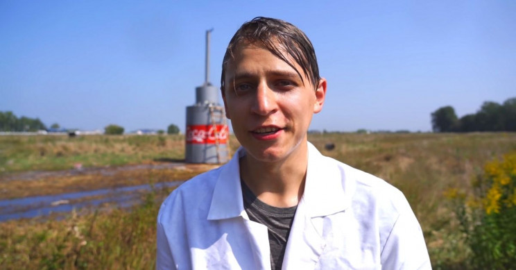 Mamix Goes Viral Soda Plume