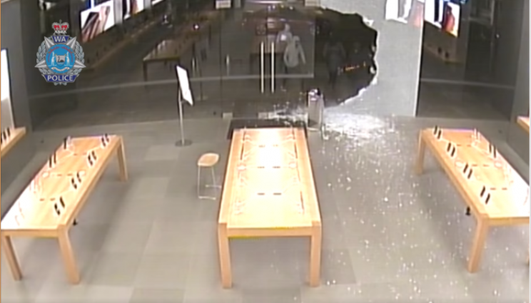 Apple Stores in Australia Robbed By Sledgehammer Wielding Thieves