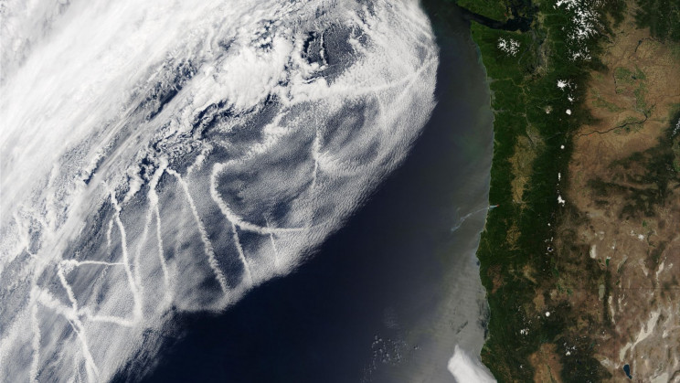 Ship Tracks Over the Ocean Inspire Researchers For a Way to Cool The Earth