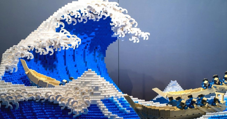 Japanese LEGO Artist Reimagines Hokusai's 'The Great Wave off Kanagawa'