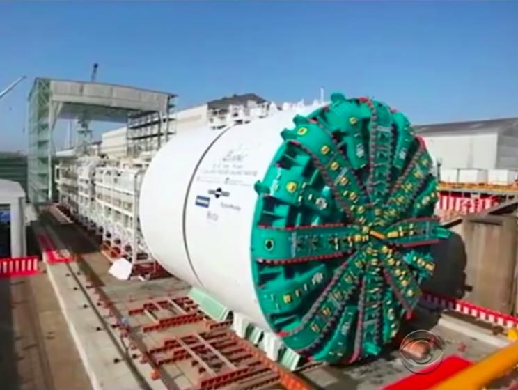 9 Astonishing Examples of Heavy Equipment from Around the World