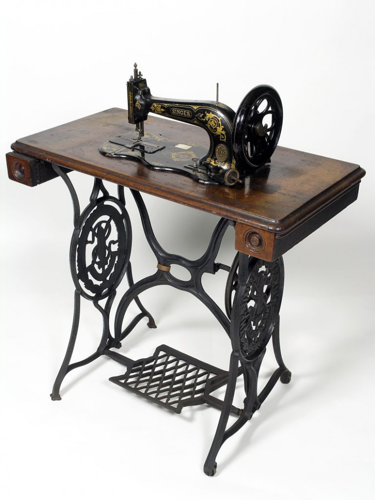 inventions of the industrial revolution sewing machine