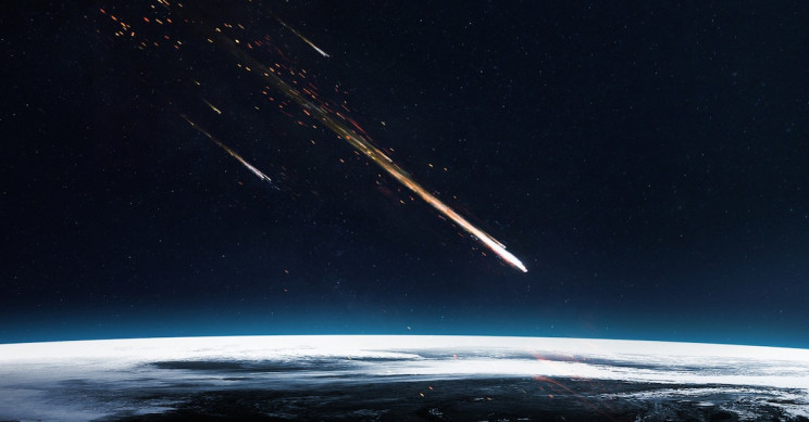 Fireball Lights up the St. Louis Night Sky during Northern Taurid Meteor Shower