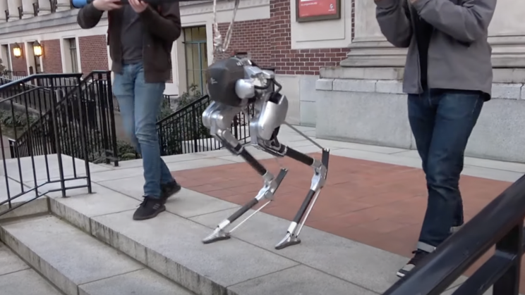 This Ostrich-Like Robot Could Soon Deliver Parcels to Your Door