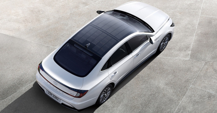 Hyundai Unveils Solar Roof Charging Car That Replenishes up to 60% of Battery
