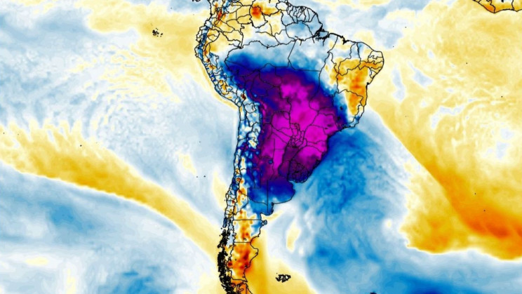 Snow Blankets at Least 33 Cities in Brazil, Agriculture Expected to Be Hit