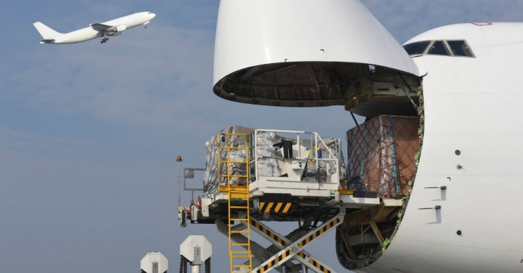 8,000 Cargo Planes Required to Transport COVID-19 Vaccines Around the World