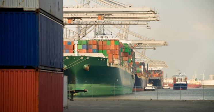 Port of Rotterdam's AI Microgrid Pilot Lowers User Costs and Increases Producer Returns