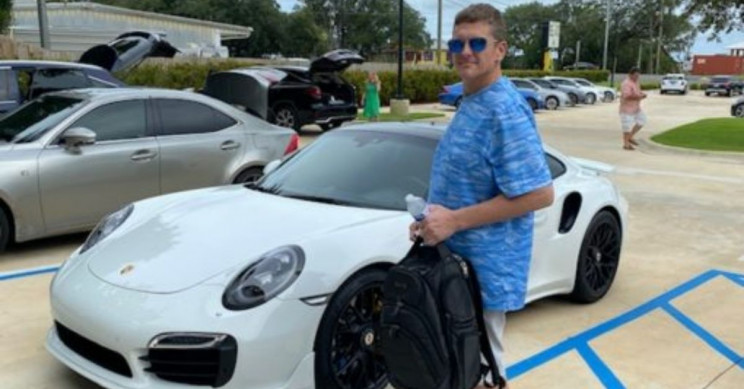 Florida Man Arrested for Buying Porsche With Home-Printed Checks