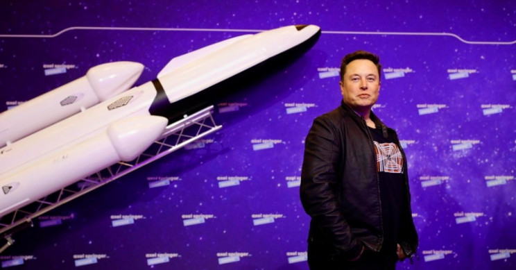Musk: SpaceX to land humans on Mars in six years