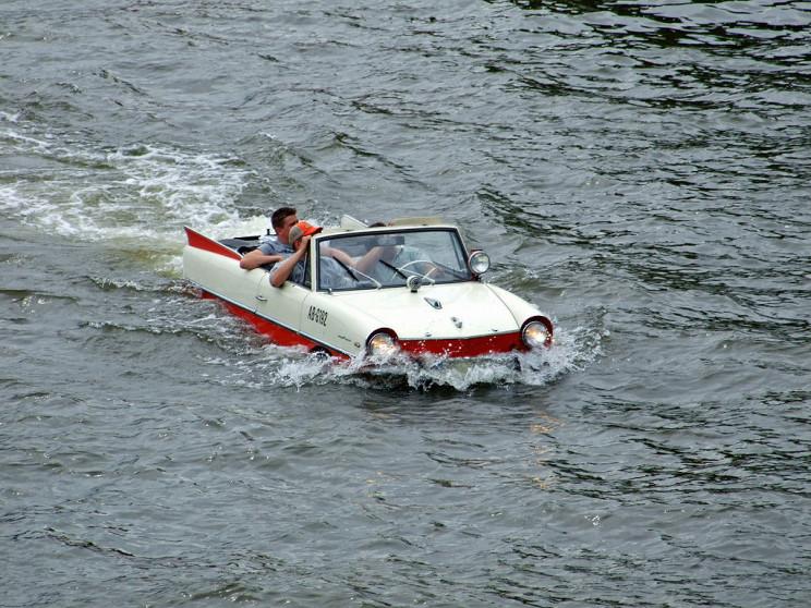 amphibious cars amphicar