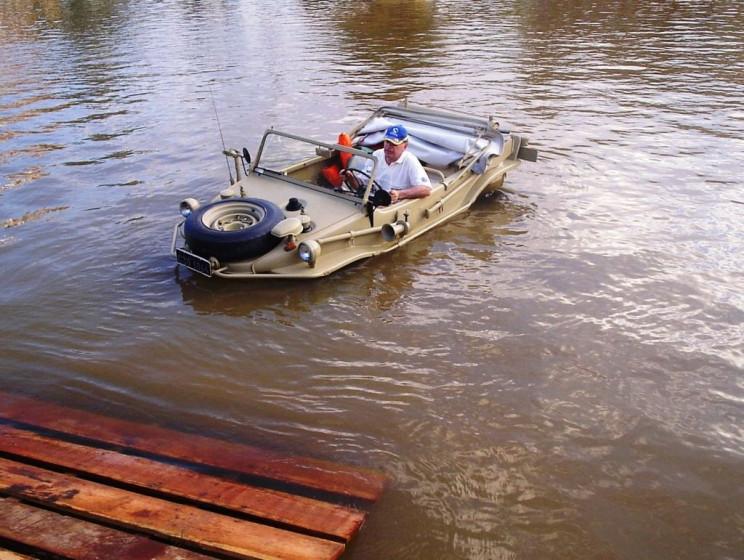 amphibious cars schwimmwagen